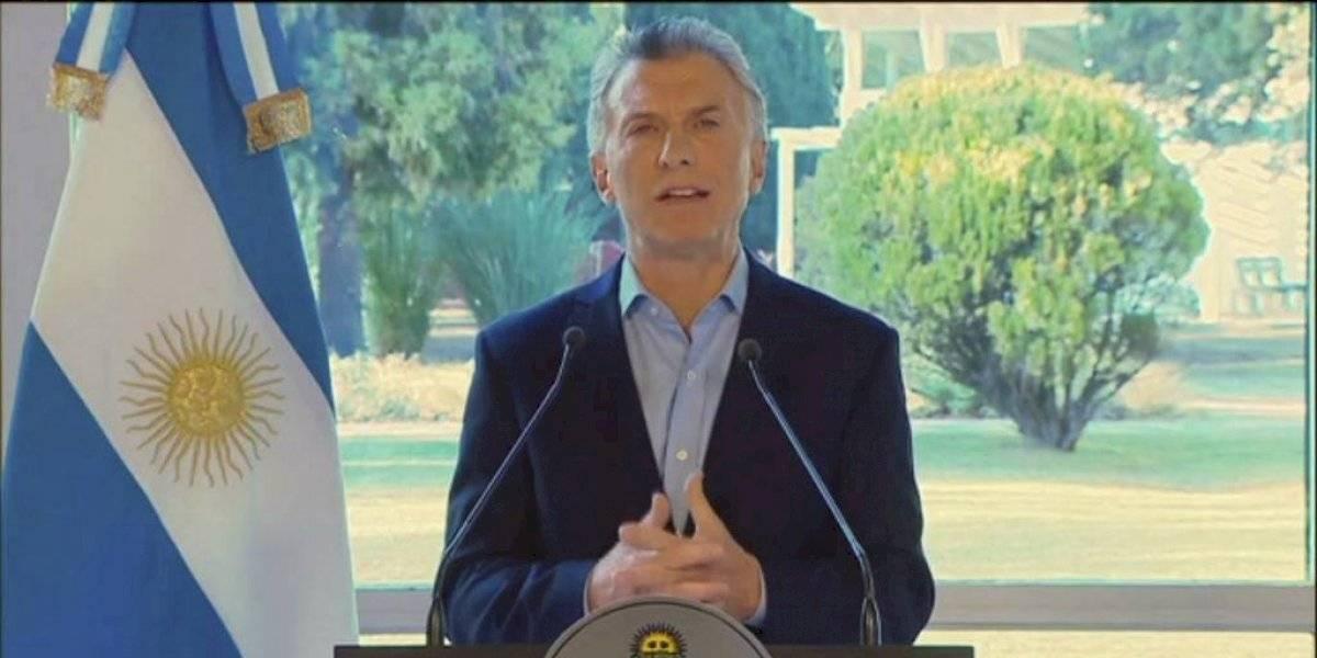 Macri anuncia aumento salarial y cortes de impuestos en Argentina