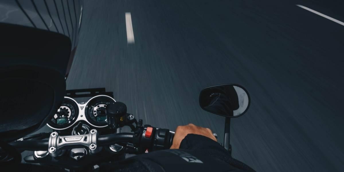 Maneja más seguro tu moto en condiciones de lluvia