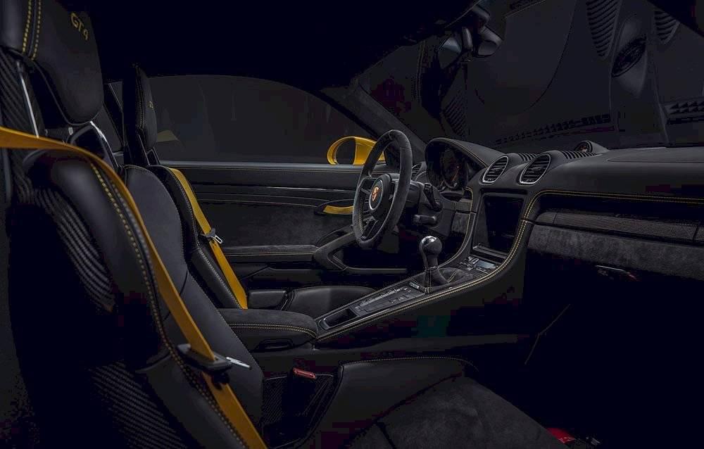 Porsche 718 Spyder y Cayman GT4-4