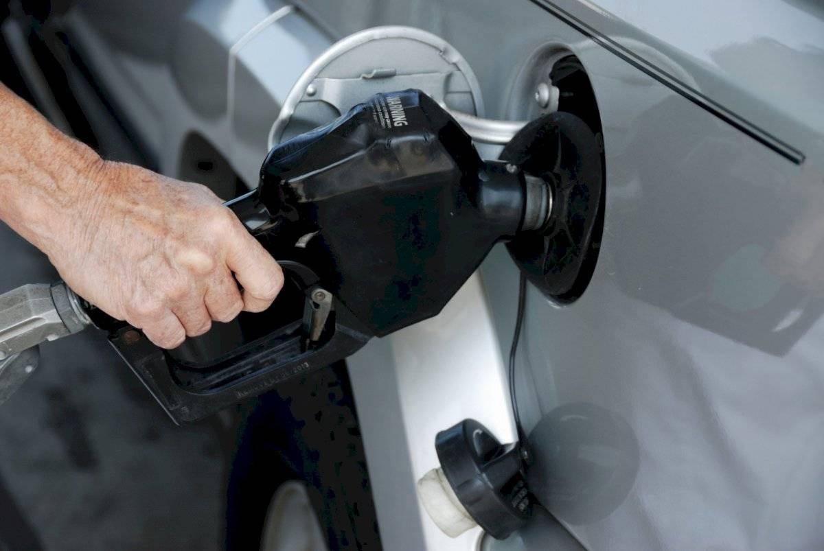 pumpinggasolineg-830a513760926d7c240aea78cff094a8.jpg