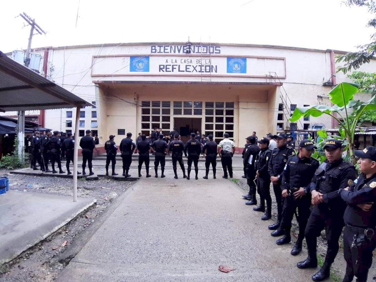 Realizan requisa en cárcel de Puerto Barrios. Foto: Ministerio de Gobernación