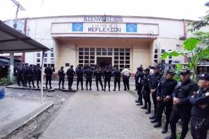 Realizan requisa en cárcel de Puerto Barrios.