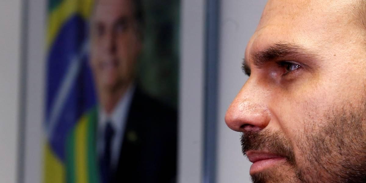 Prefeito de Miami convida Bolsonaro para visita e aprova Eduardo na embaixada