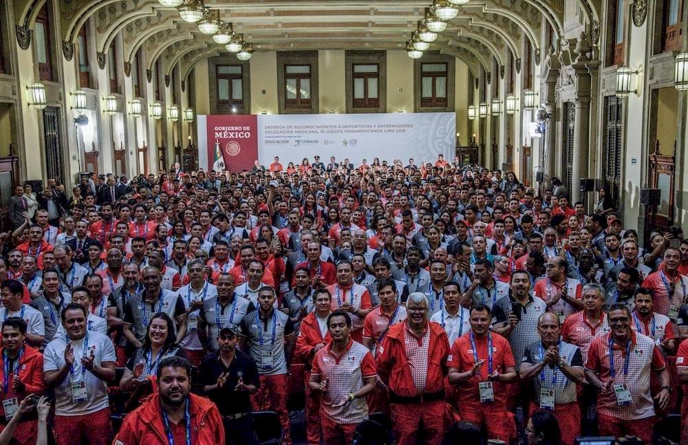 Los 544 atletas mexicanos que compitieron en los Juegos Panamericanos recibirán su dinero./ Cuartoscuro