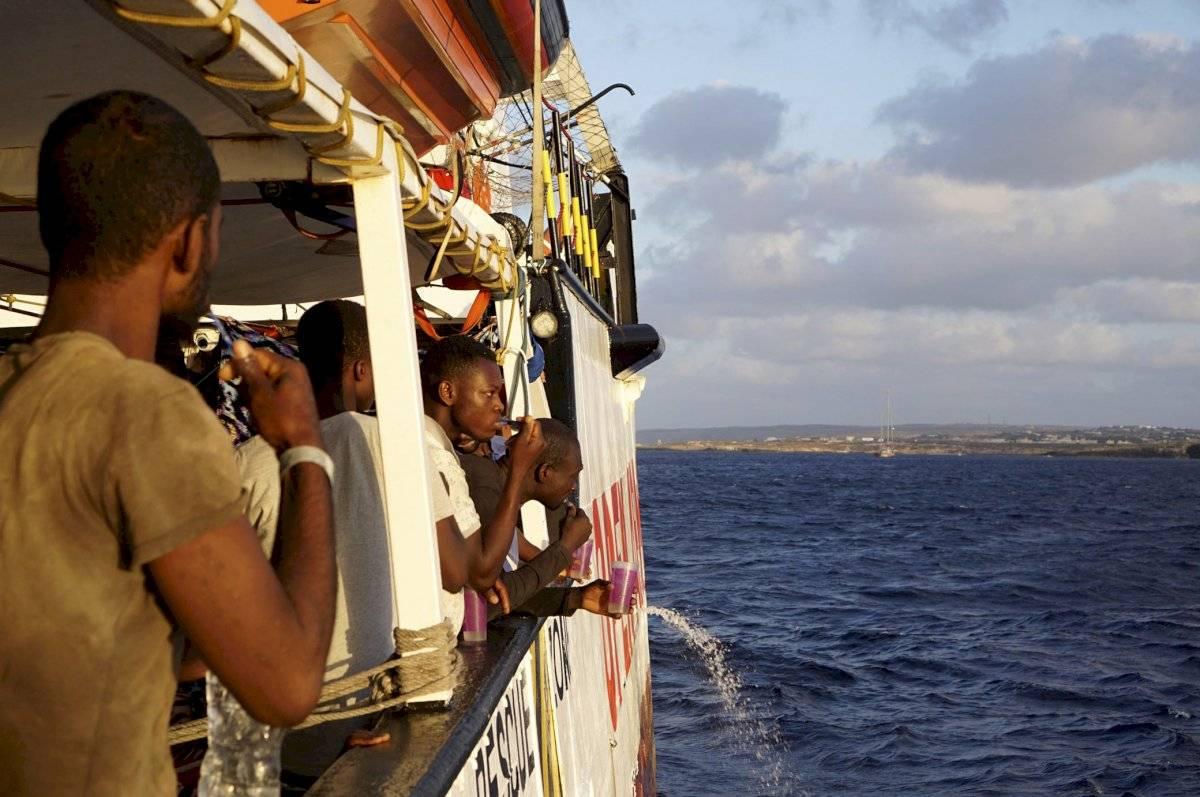 Barco de rescate de migrantes, Open Arms Foto: AP