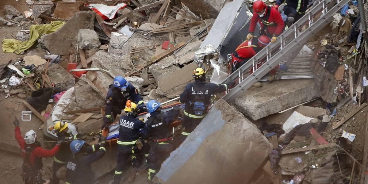 Derrumbe en Valparaíso: rescatan a la sexta víctima de los escombros en el cerro Bellavista