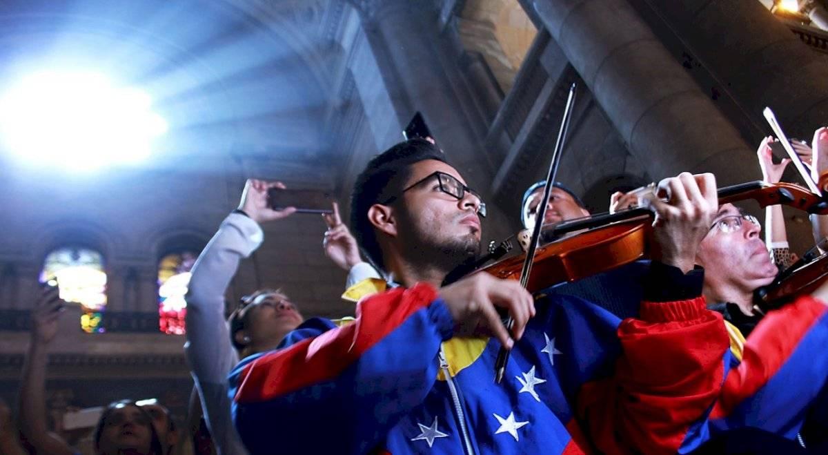 Músicos Orquesta Música para la Integración