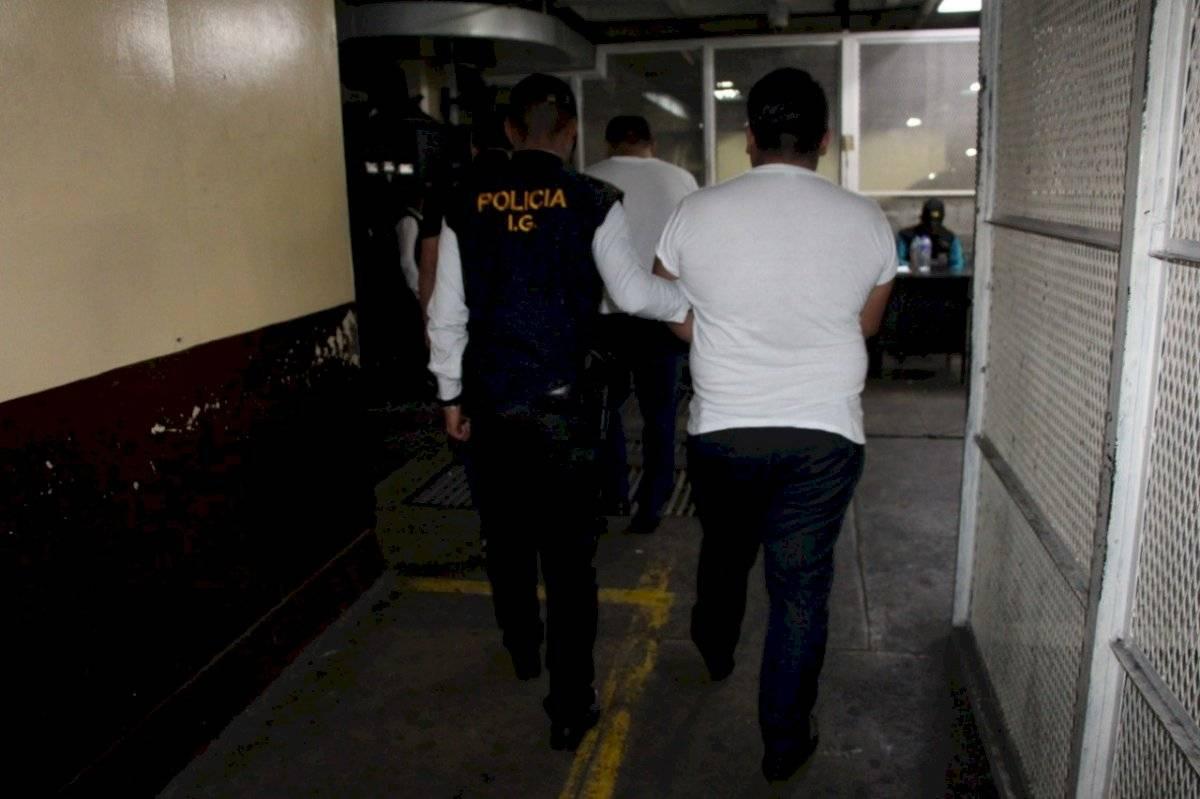 Capturados en el Departamento de Tránsito de la PNC
