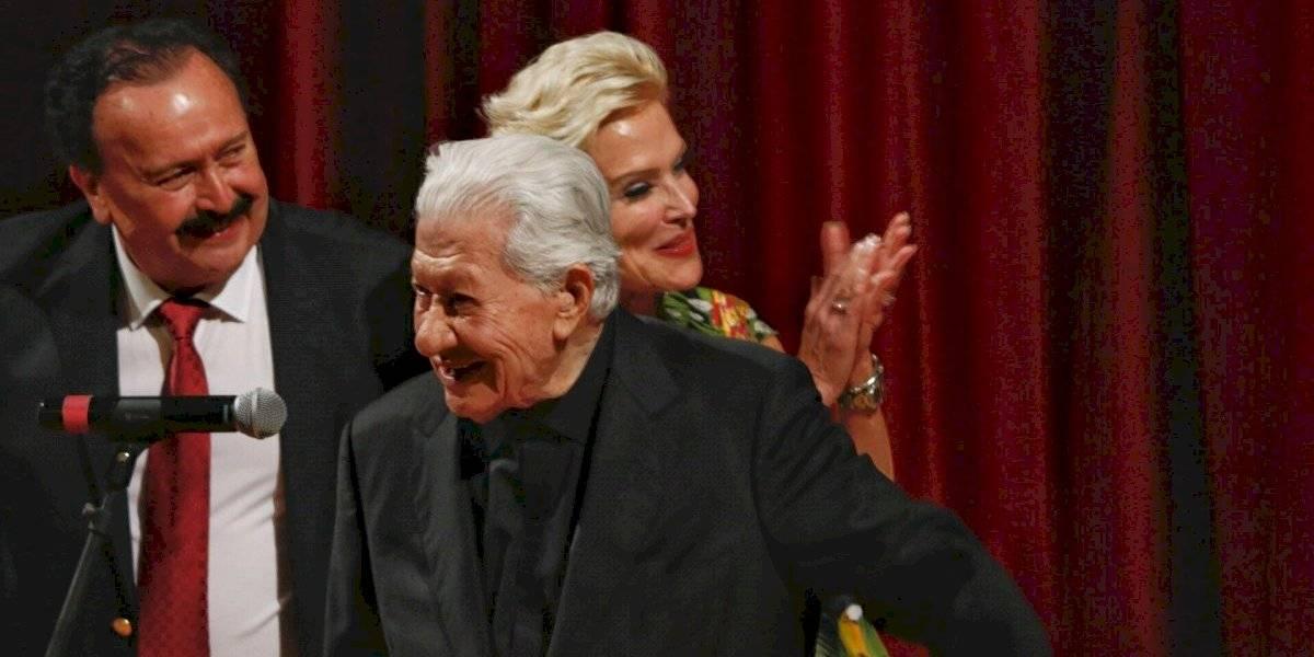 Ignacio López Tarso recibe Honoris Causa en Guadalajara