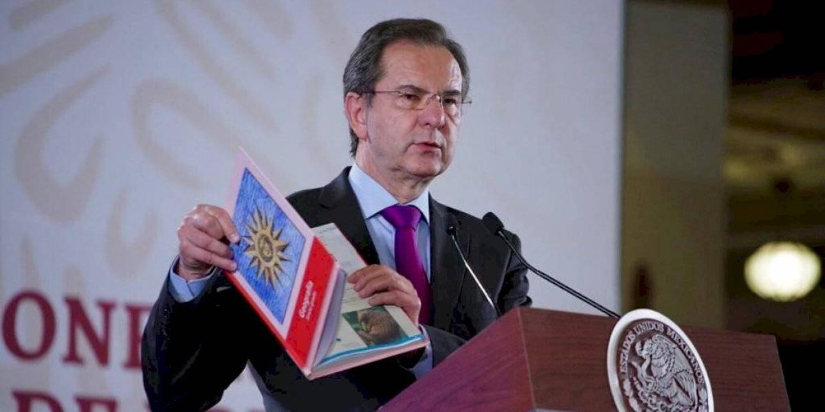 SEP planea libros de texto reutilizables: Moctezuma