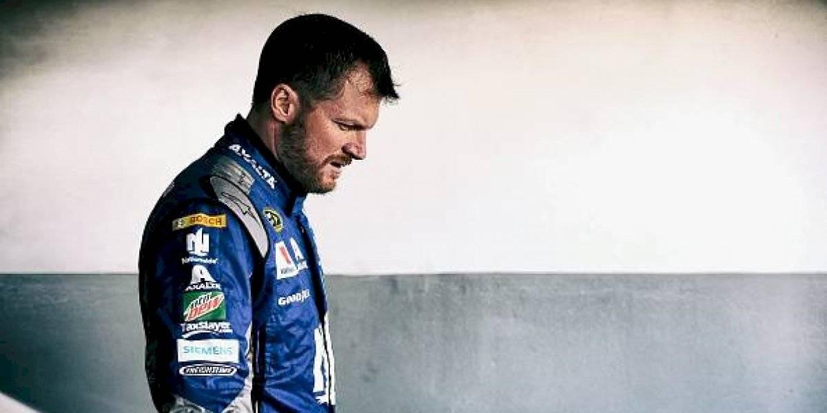 Ex piloto de NASCAR sufre accidente aéreo junto a su familia y salen ilesos