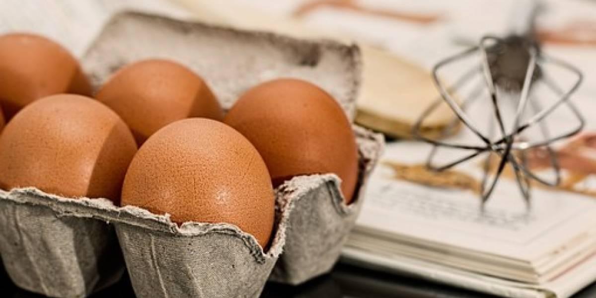 Google no siempre tiene buenas ideas: joven pierde la visión por explosión de huevos cocinados en microondas