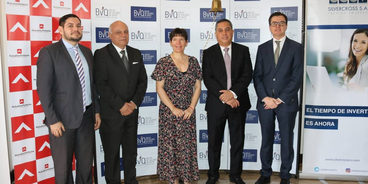 Mutualista Pichincha realizó primer Campanazo en la Bolsa de Valores de Quito