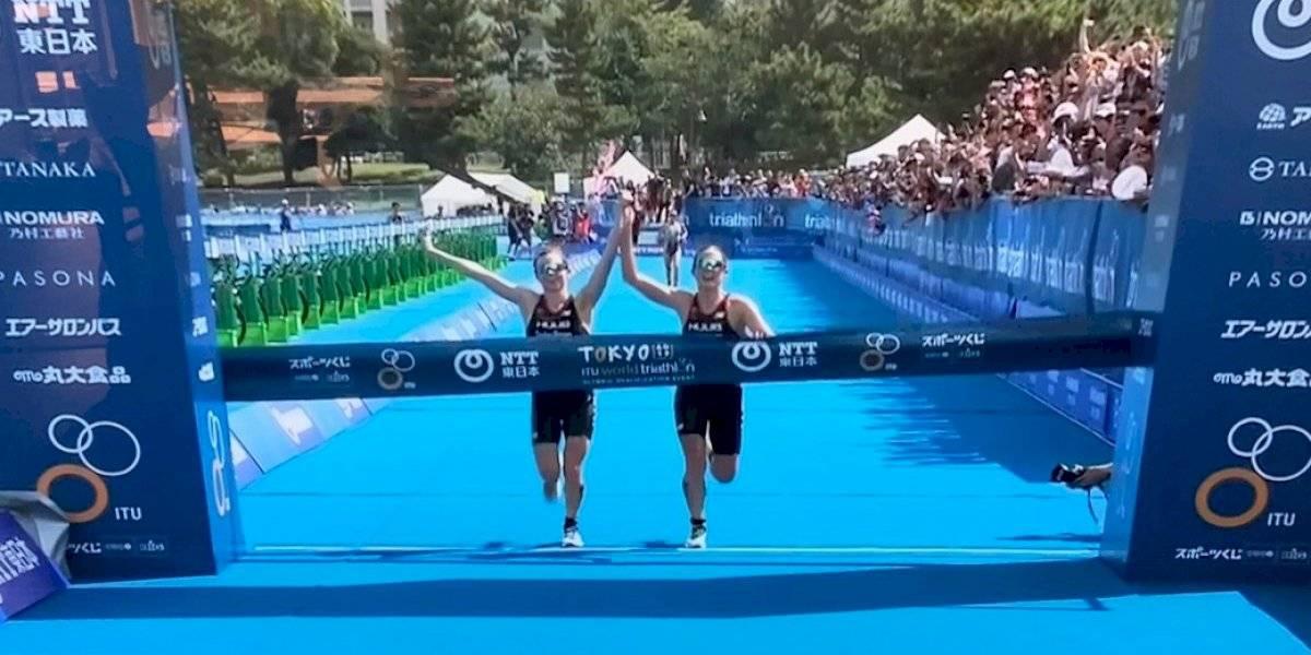 Británicas son descalificadas por llegar juntas a la meta en triatlón de Tokio