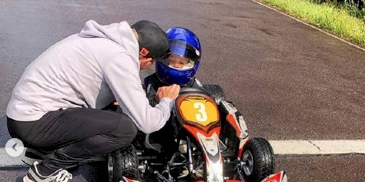 Hijo de Raikkonen vive su primera experiencia en un kart a los 4 años