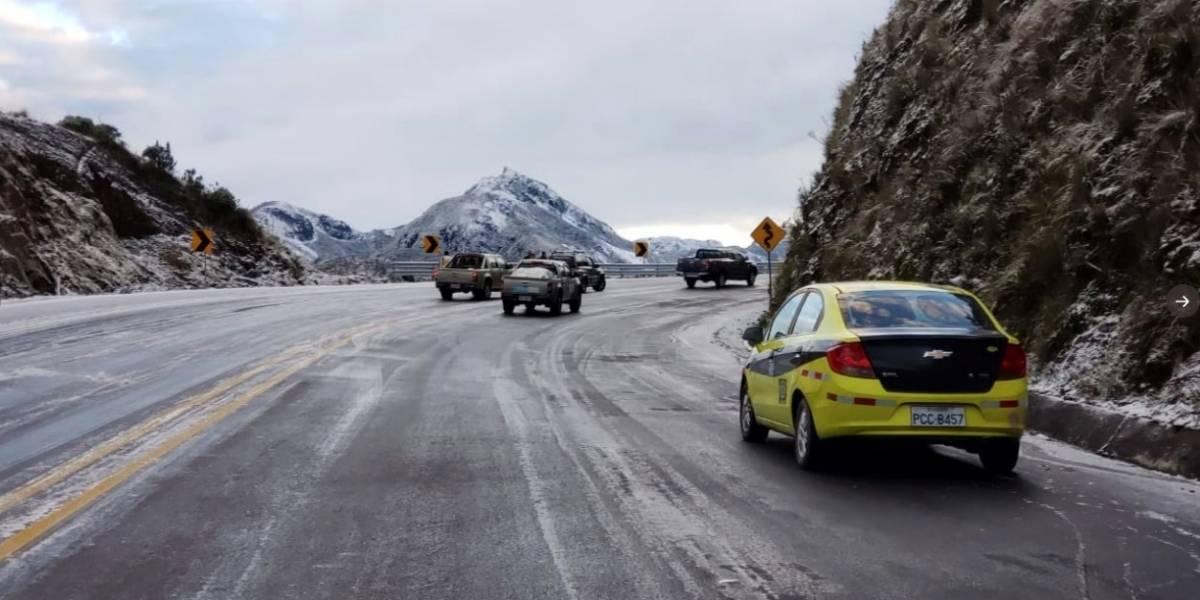 Continúa nevando en Papallacta y se provoca nuevamente el cierre vial