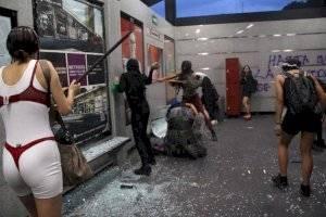 https://www.publimetro.com.mx/mx/noticias/2019/08/16/abren-carpeta-investigacion-agresion-a-periodistas-danos-a-edificios-publicos.html