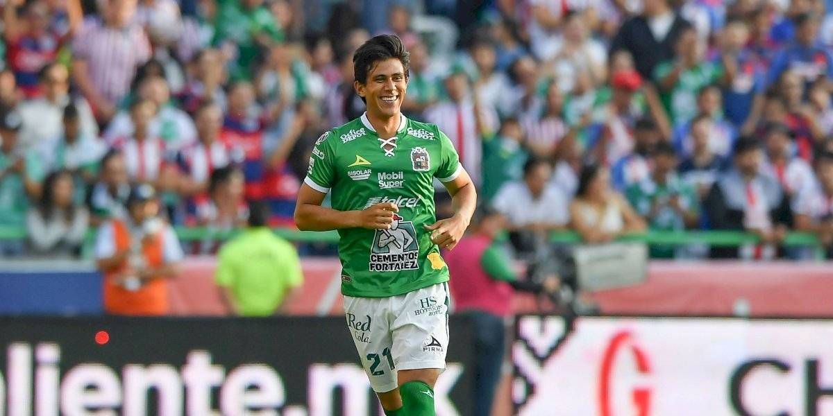 VIDEO: J.J. Macías le festeja gol a Chivas y besa escudo de León