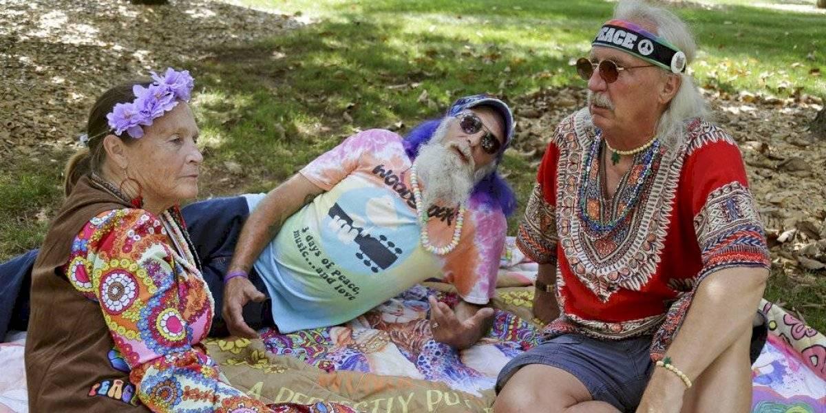 Viejos Hippies celebran los 50 años de Woodstock con el mismo espíritu pero... despacito