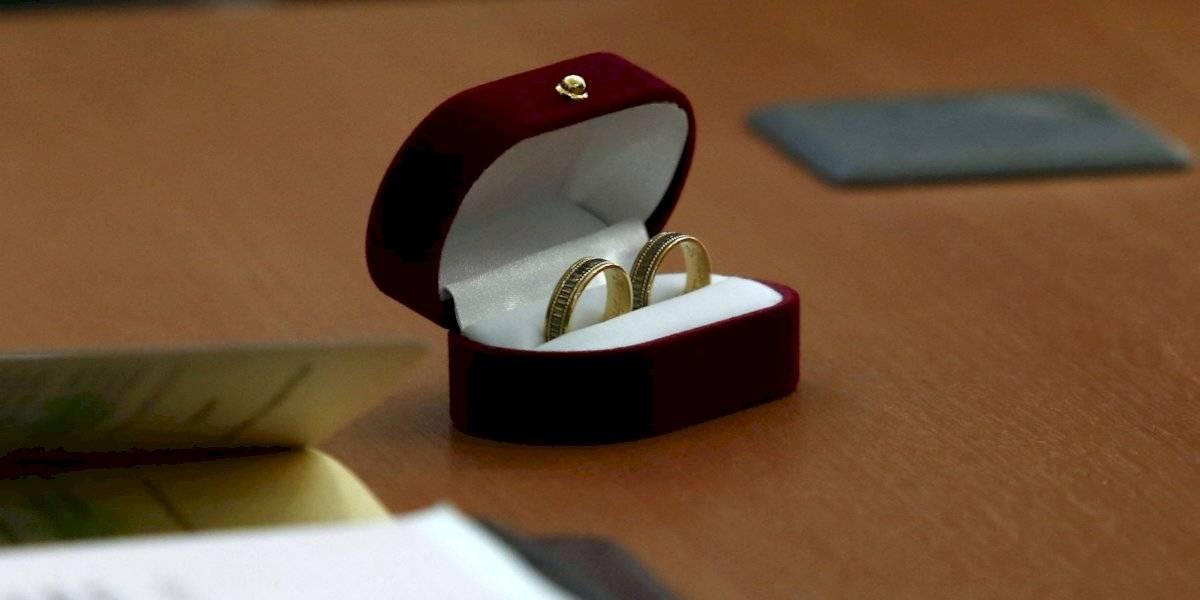 Carabineros investigará a funcionario por pedir matrimonio en una patrulla