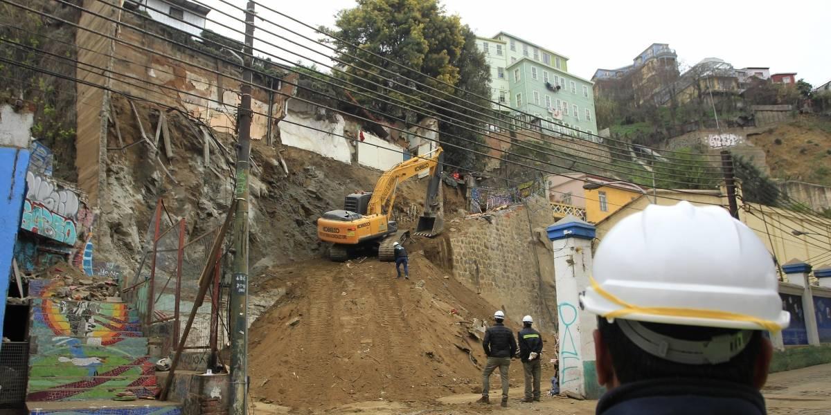 Jorge Sharp: Valparaíso supone reconstruir una ciudad golpeada por el abandono