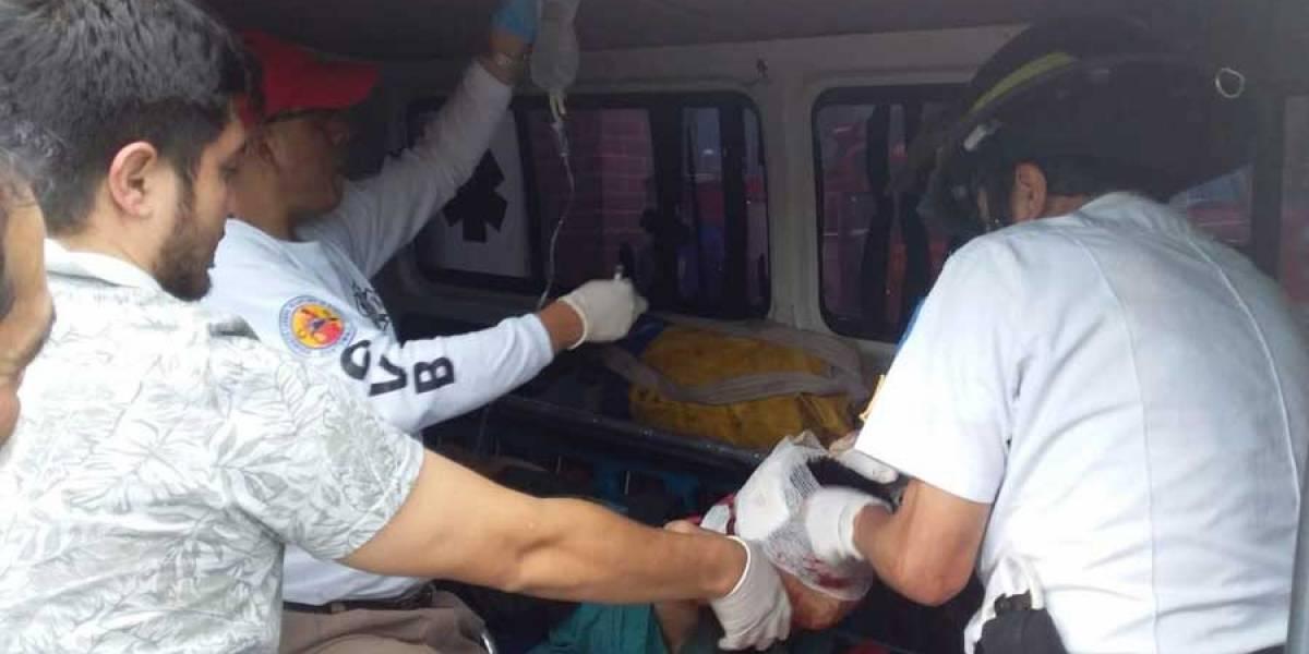 VIDEO. Un herido y un vapuleado tras balacera en cancha de futbol