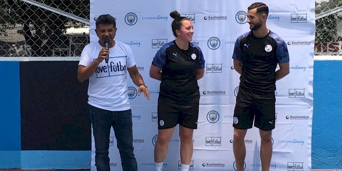 Love futbol y Manchester City inauguran nueva cancha en México