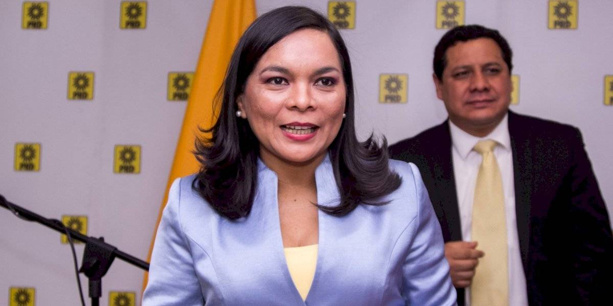 Beatriz Mojica renuncia al PRD tras 30 años de militancia