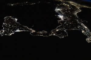 https://www.metrojornal.com.br/estilo-vida/2019/08/19/astronauta-da-nasa-registra-nova-foto-impressionante-da-terra-desde-o-espaco.html