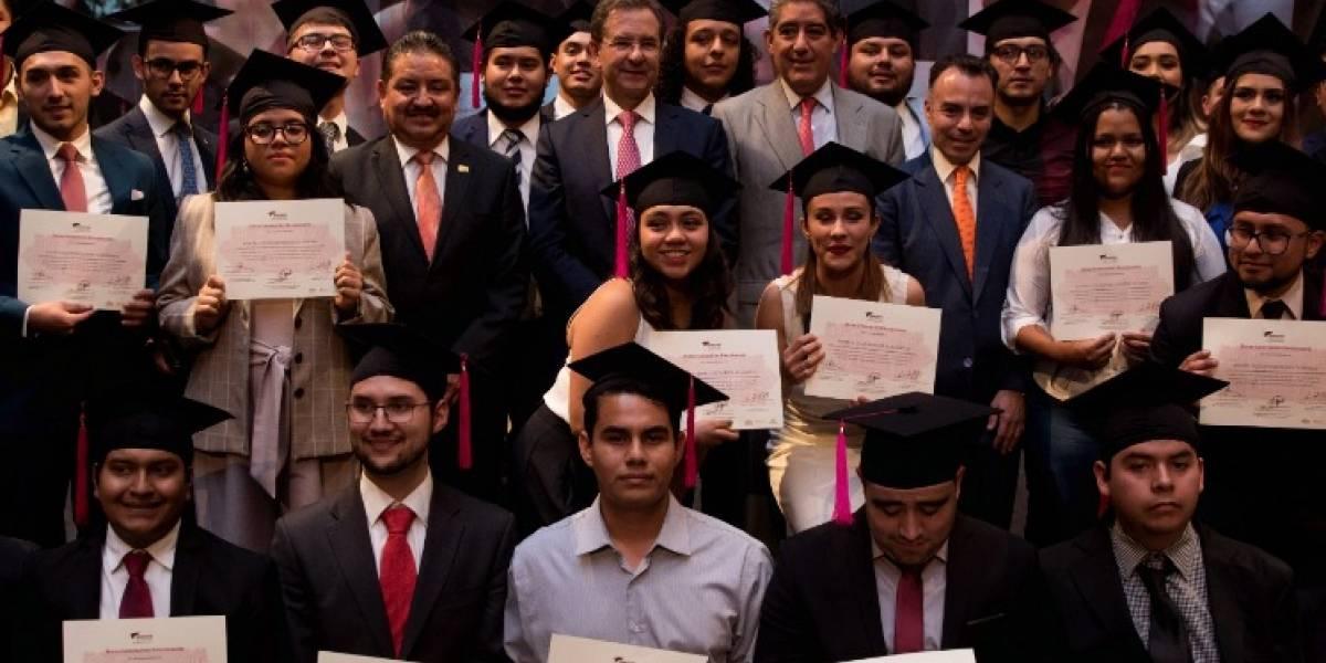 Matrícula universitaria se duplicó en 20 años; pocos se titulan