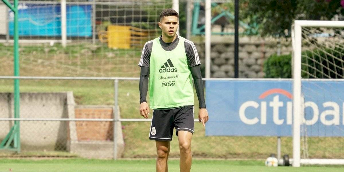 Alan Medina de Toluca, es baja de la Selección por lesión y salió en ambulancia