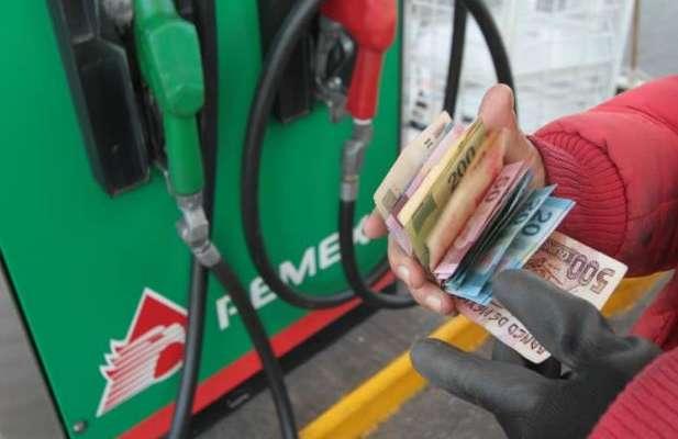 México gasolina efectivo