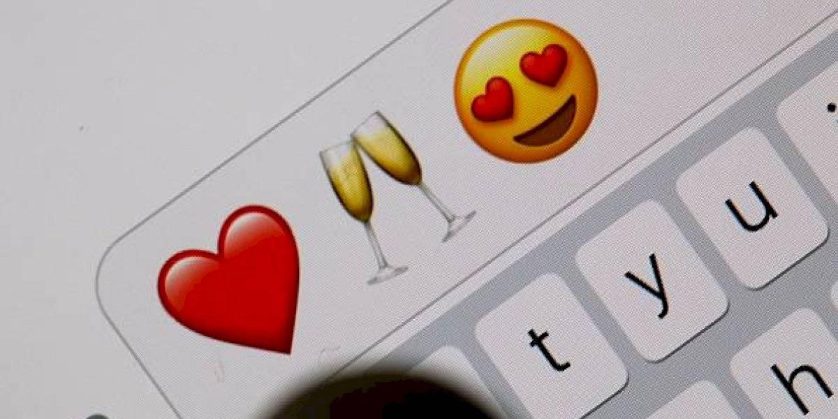 ¿El nuevo lenguaje del amor? Científicos prueban que personas que envían más emojis tienen más sexo