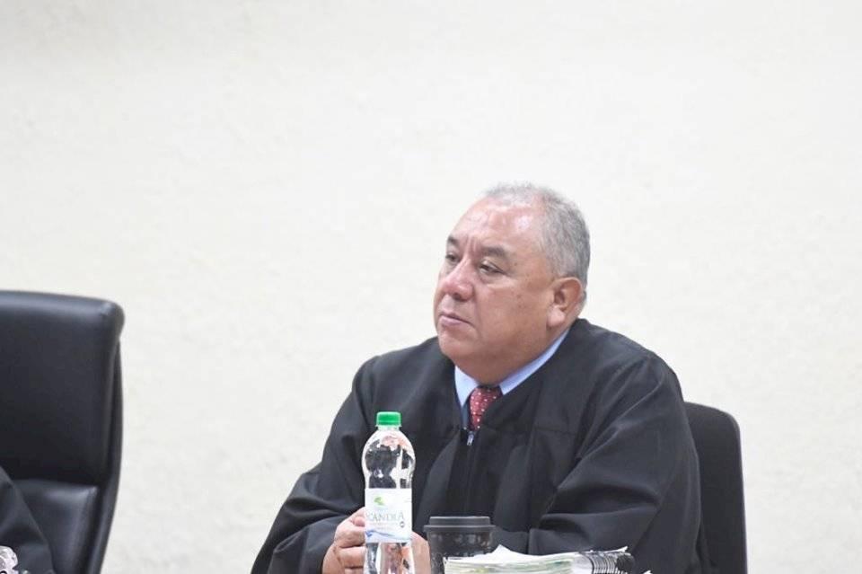 Juez Jaime González absolvió a José Manuel Morales y Samuel Morales, hijo y hermano del presidente, Jimmy Morales, respectivamente. Foto: Omar Solís