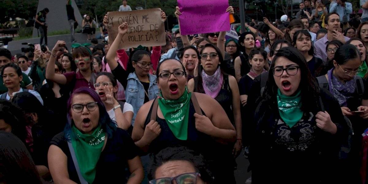 Respalda AMLO actitud de Sheinbaum ante manifestación feminista