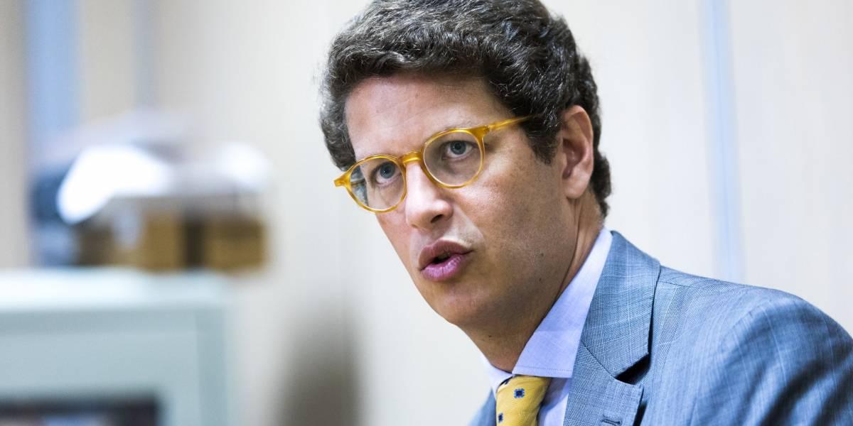 Ministro do Meio Ambiente sugere que Greenpeace estaria por trás do óleo no Nordeste