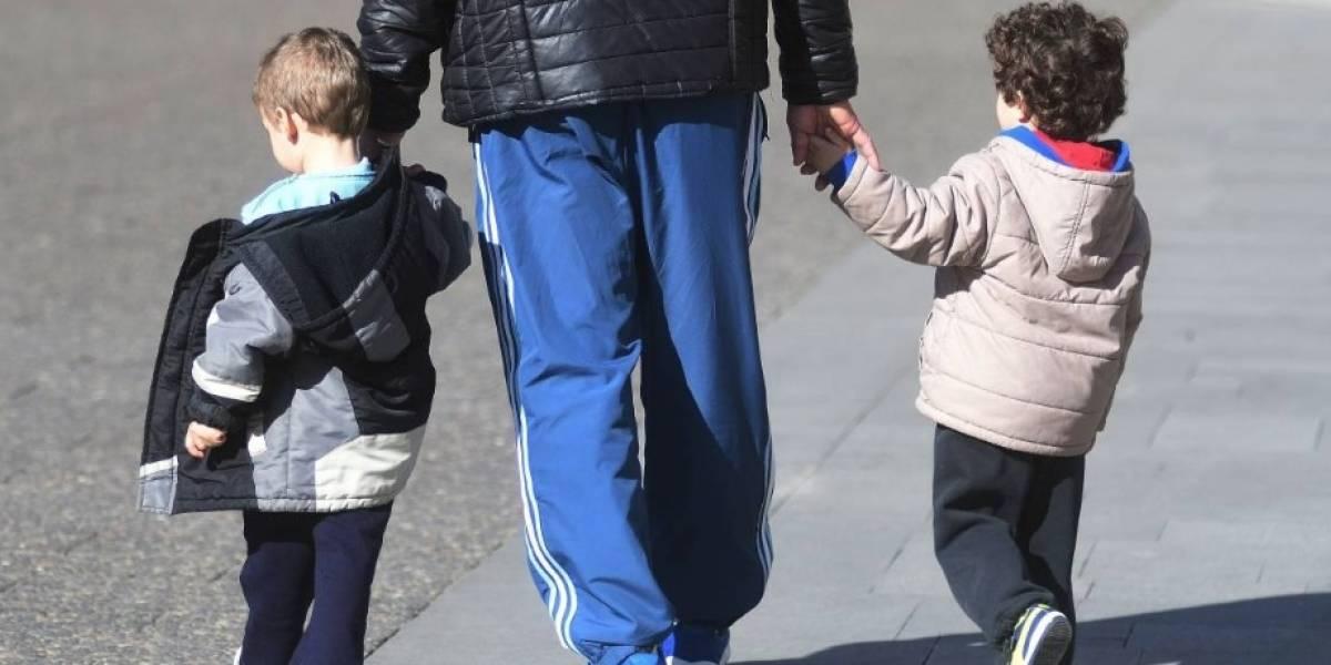 Cuando los hijos crecen y se van: los padres son más felices