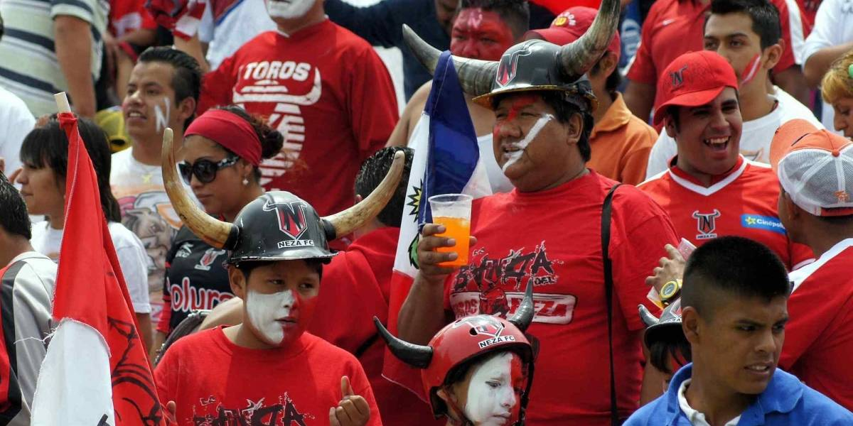 ¿Qué tan confiable es la cerveza en los estadios del futbol mexicano?