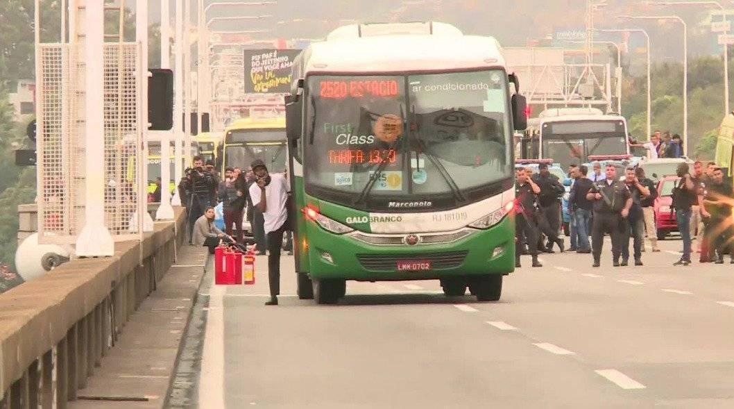 Francotiradores abatieron a secuestrador de bus en Brasil