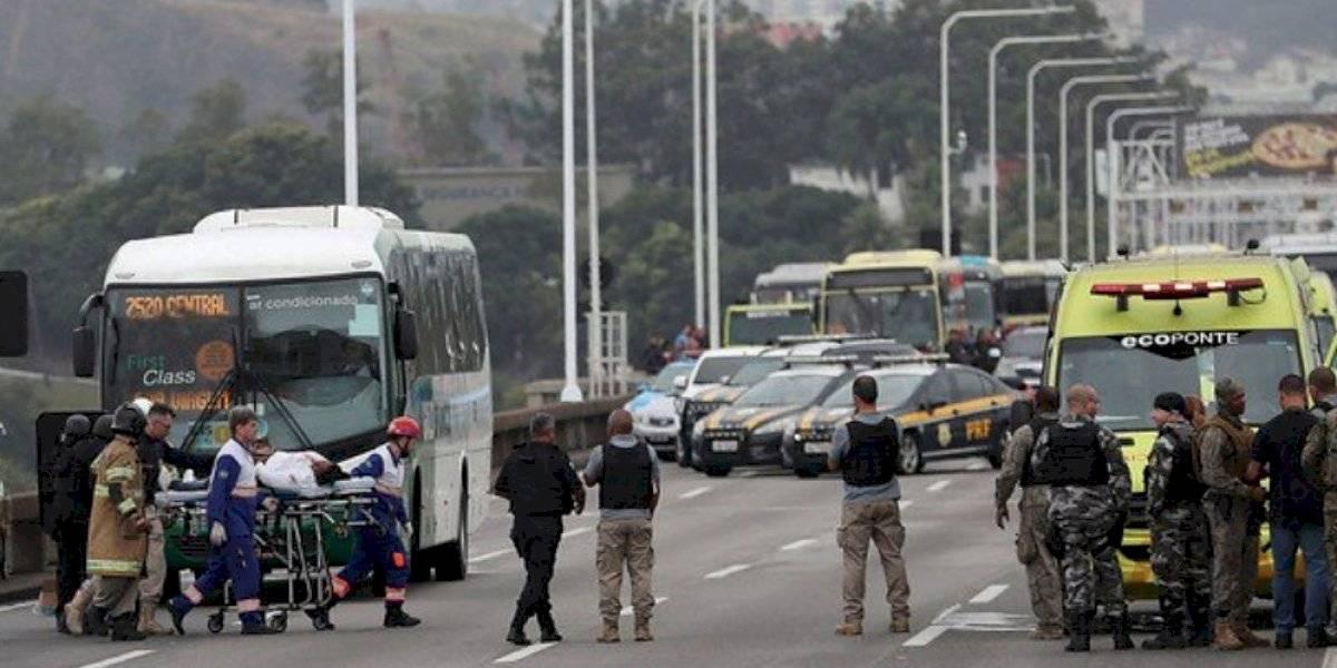 Video: Francotiradores abatieron a secuestrador de bus en Brasil