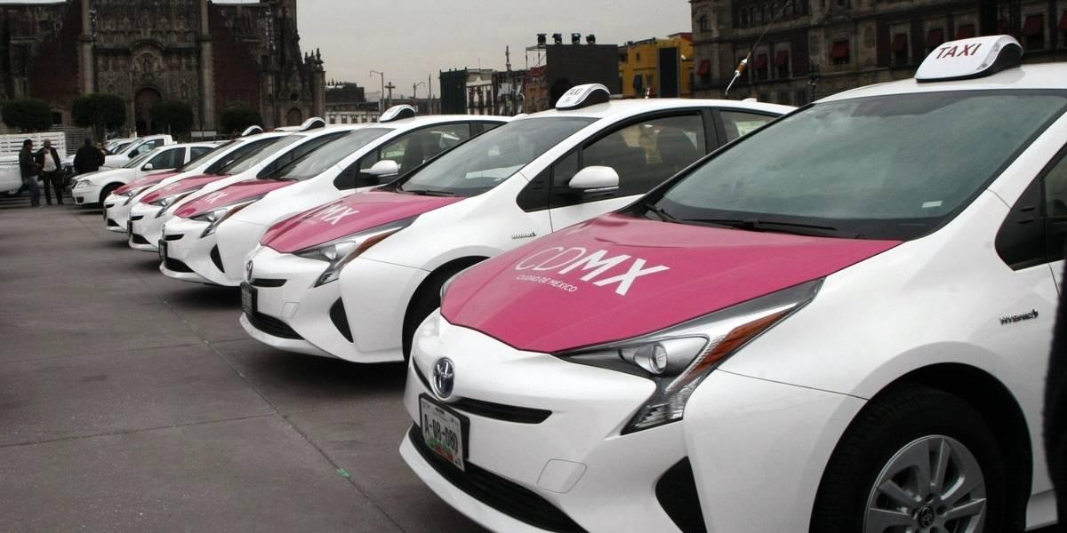 Gobierno capitalino apoyará sustitución de 6 mil taxis limpios