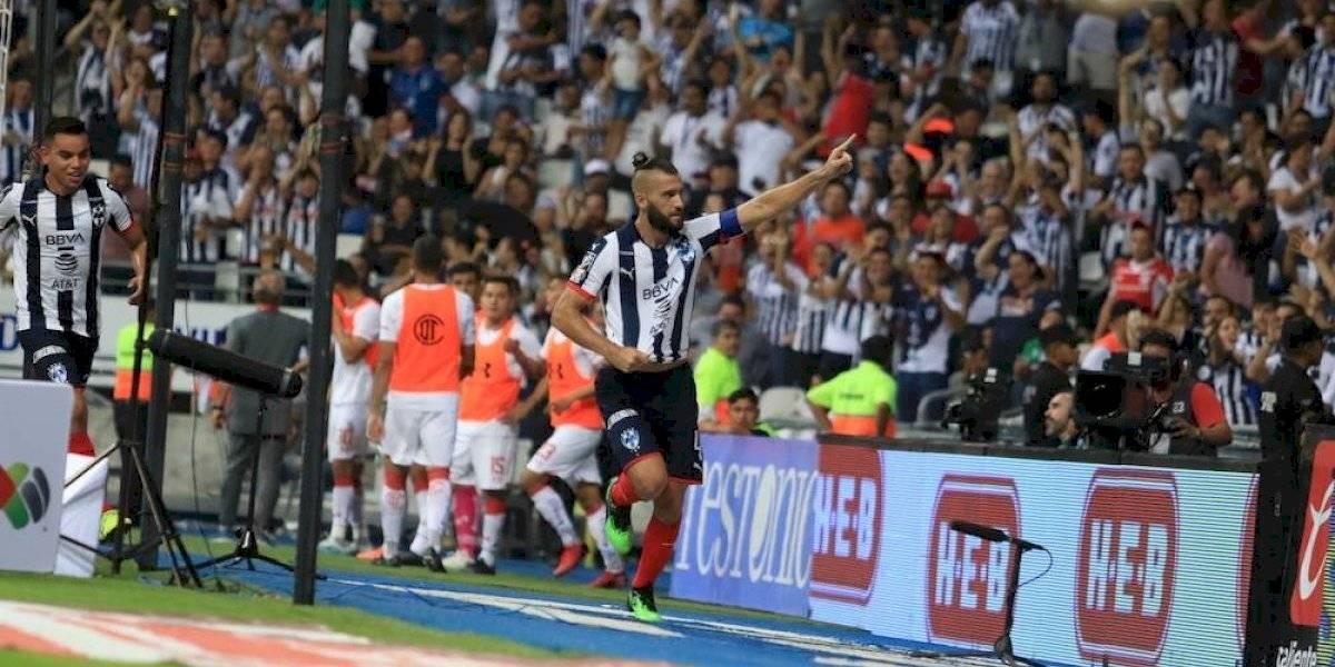 Santos recupera el liderato, vence 2-1 a los Rayados