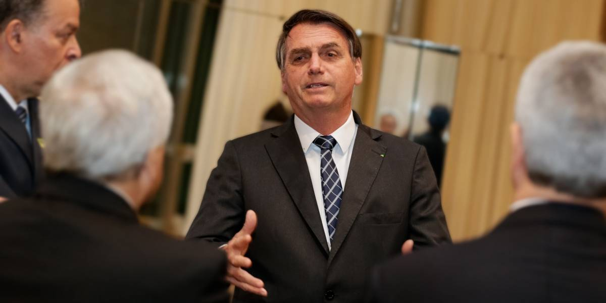 Bolsonaro diz preparar PL que proíbe 'ideologia de gênero' no ensino fundamental
