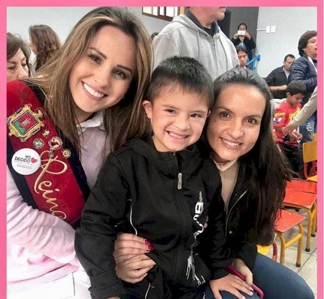 Reina de Quito 2019 y Sofía Arteta