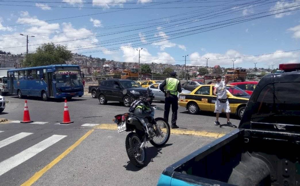 Alrededores del estadio Rodrigo Paz Delgado AMT