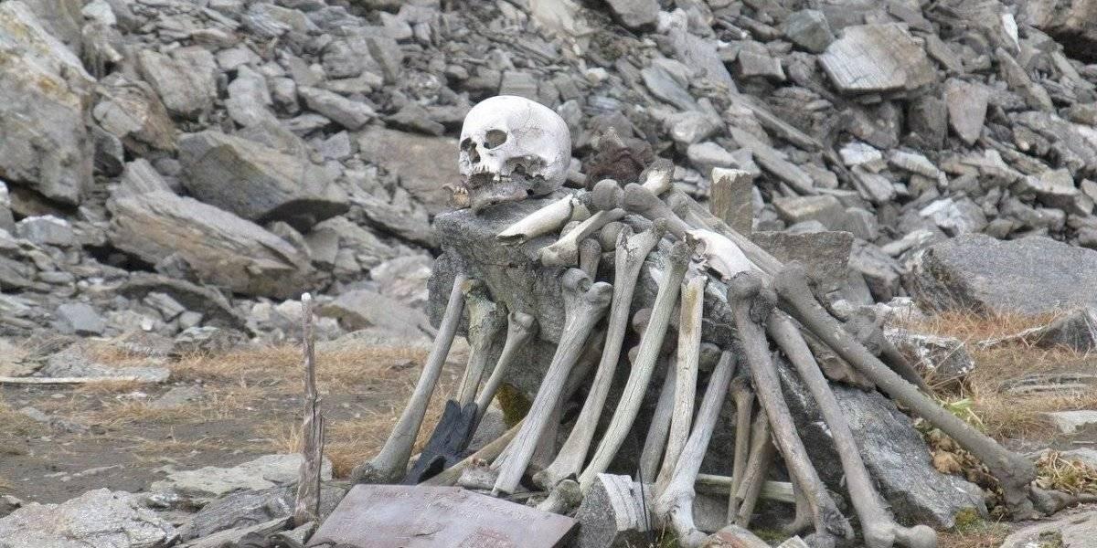 """Investigación aumenta el misterio en torno al """"Skeleton Lake"""" y su mar de cadáveres"""
