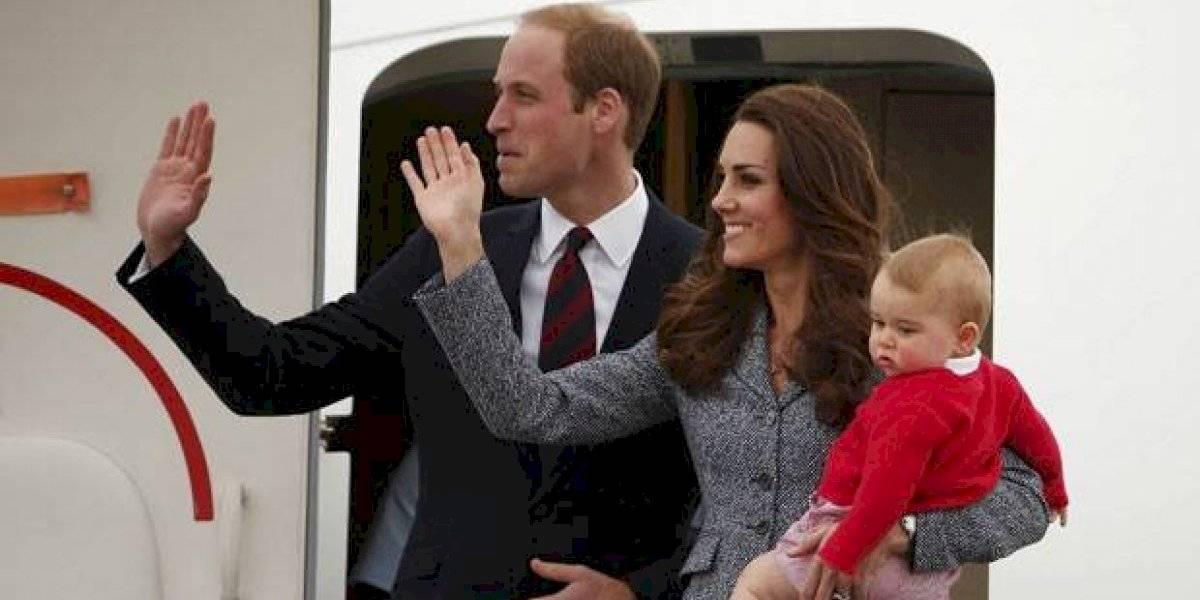 Príncipe William e Kate Middleton realizam viagem em companhia low cost após polêmica