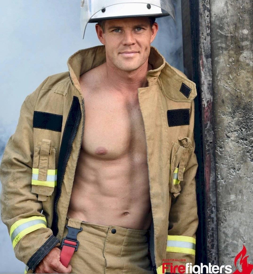 Instagram: @australianfirefighterscalendar