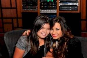 FOTOS. La hermana de Demi Lovato creció, bajó de peso y presume cuerpazo en bikini