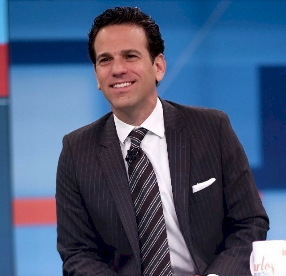 El periodista salió de Televisa luego de 18 años en la empresa Instagram